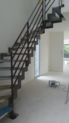 escalier cremaillère marche tole 2